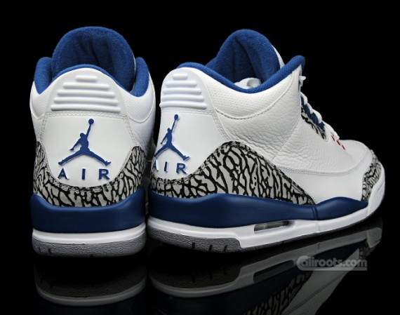 The reason basically nobody is remarking on why the Air Jordan III Retro  True  Blue  ... 8dee831fb
